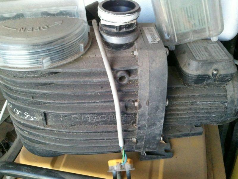 Pool pump for sale durban marine aquariums south africa for Used swimming pool pumps for sale
