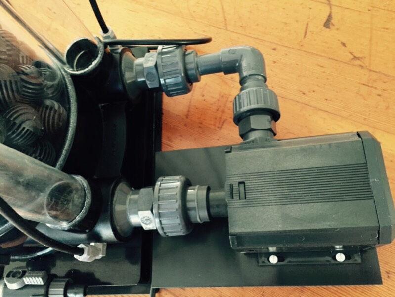 Aqua Medic Nitrate reductor 5000_closeup_pump.jpg
