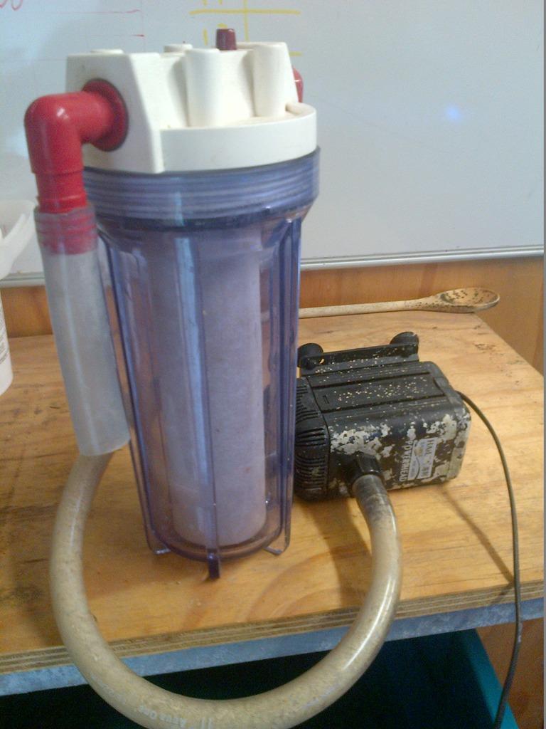 Bucket pump.JPG