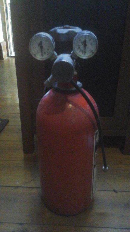 Co2 Cylinder with guages.jpg