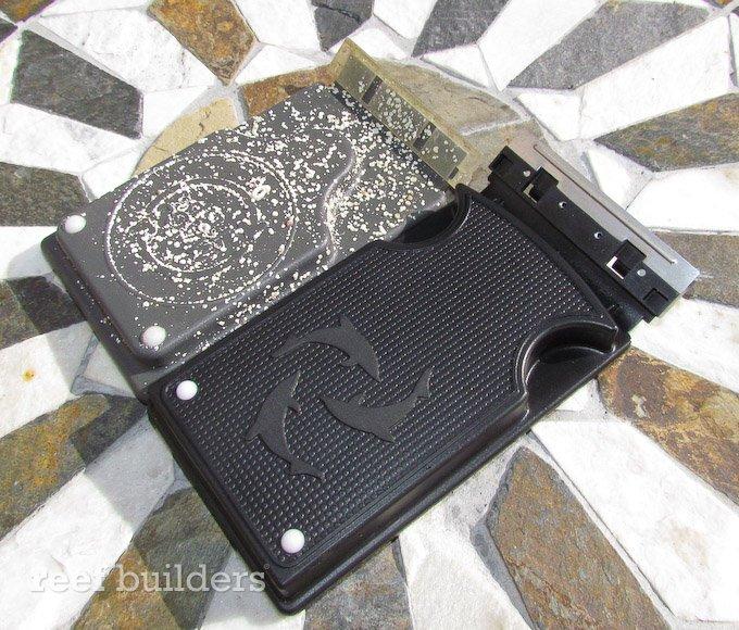 flipper-flipping-magnet-cleaner-3.jpg