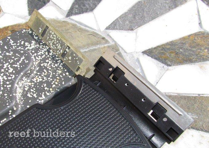 flipper-flipping-magnet-cleaner-4.jpg