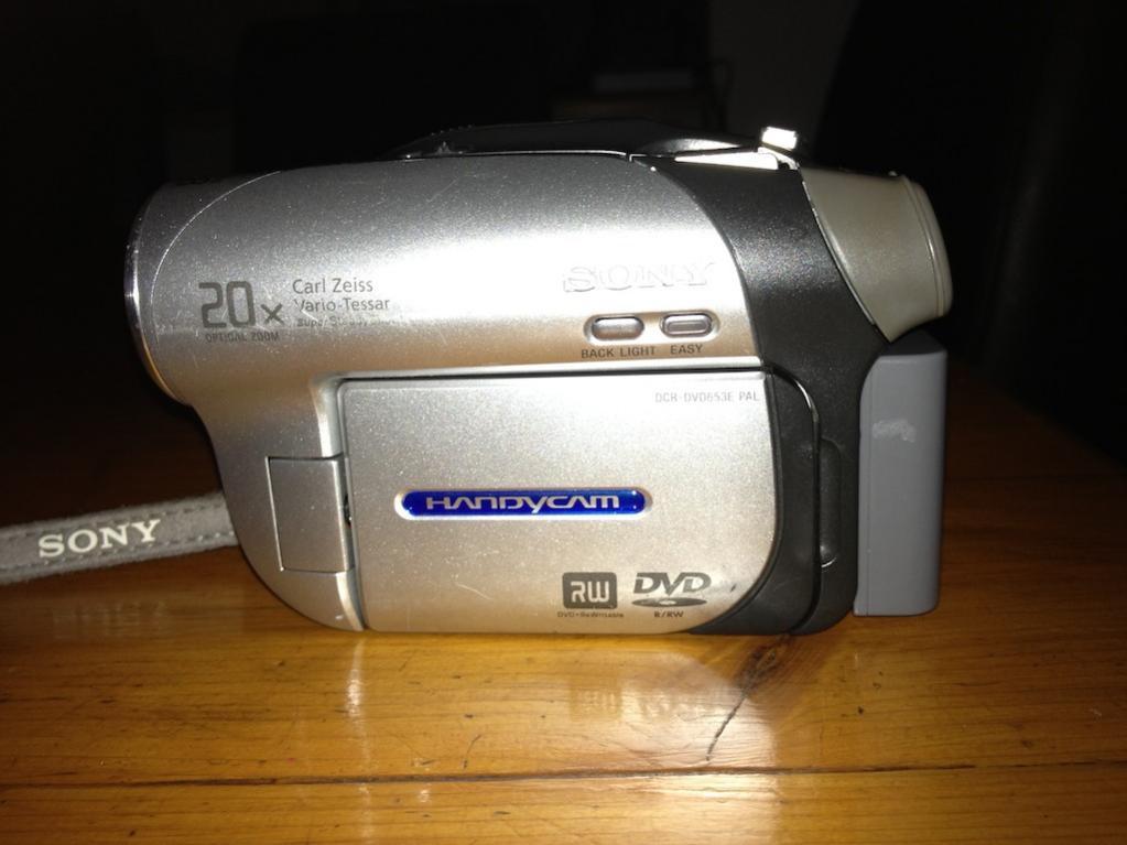 G12 Sony Handycam DCR-DVD653E  other side.jpg