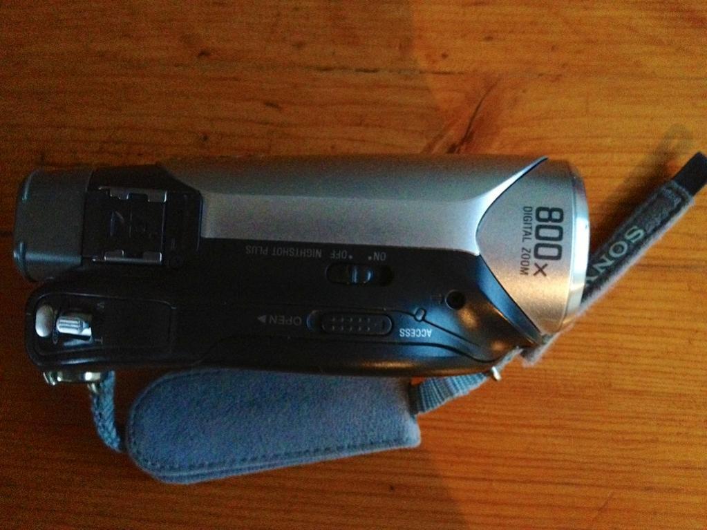 G12 Sony Handycam DCR-DVD653E  top.jpg