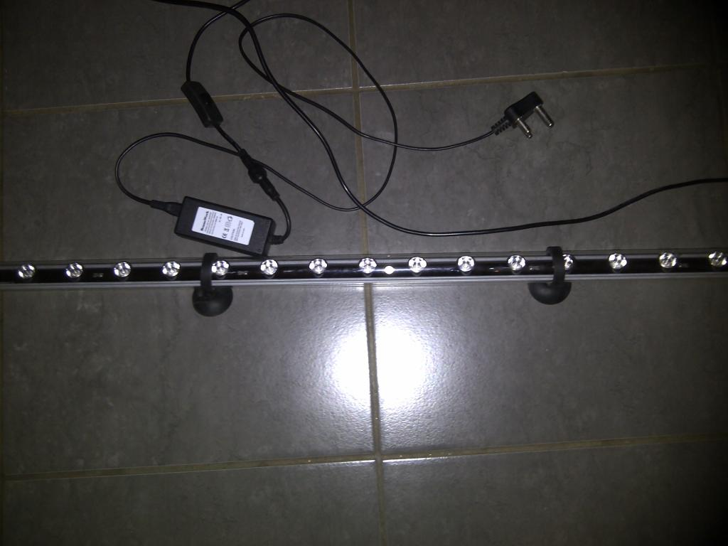 LED submersable light.jpg