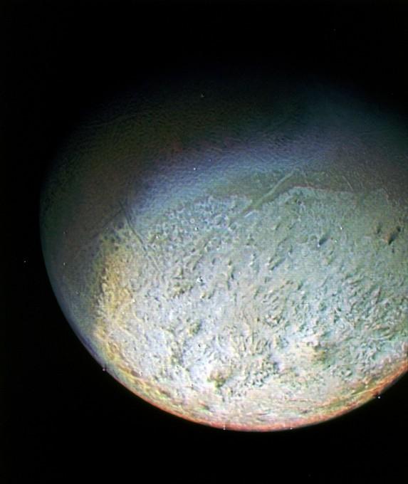neptune-moon-triton-voyager-2-e1347051074280.jpg
