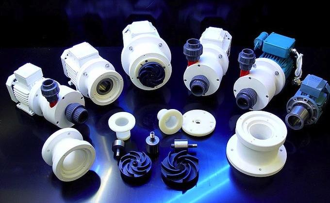 royal-exclusiv-white-line-pumps.jpg