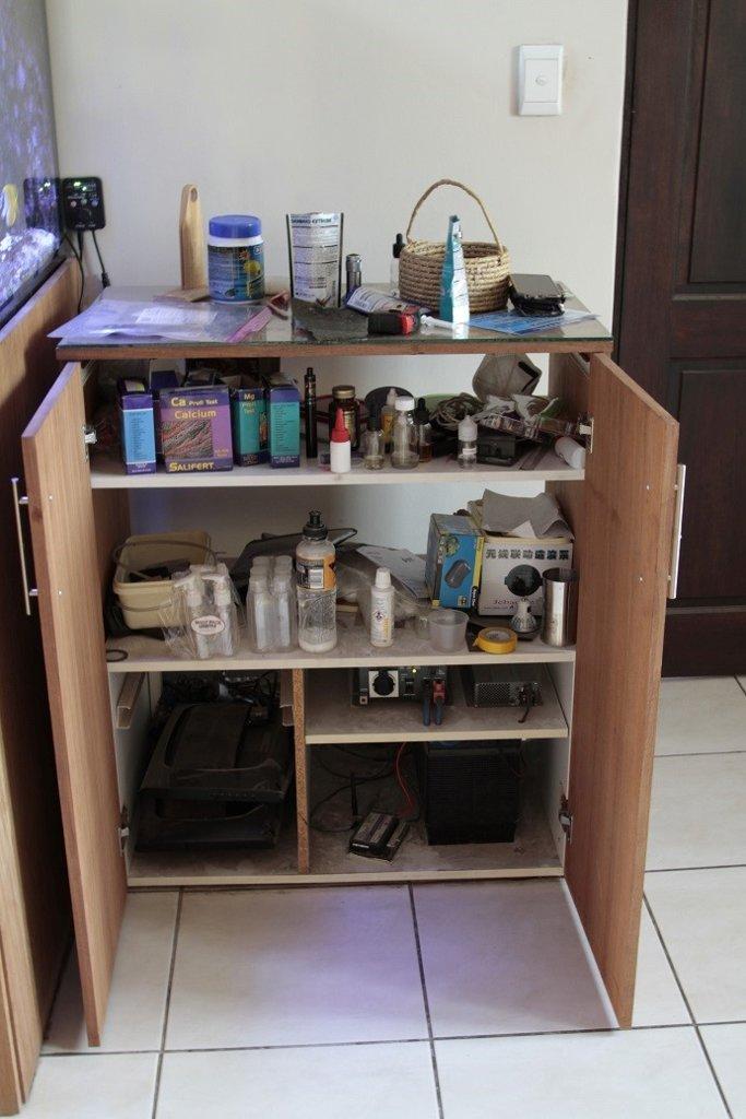 Side cabinet.jpg