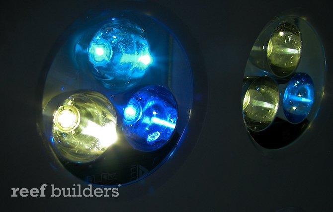 tricolor-led-puck-aquaillumination-reef-aquarium-1.jpg
